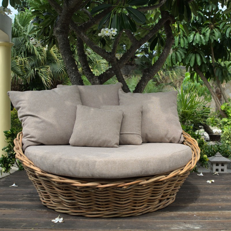 SUNDAY DAYBED
